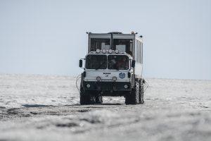 camión por tierra