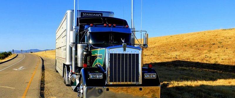 Las empresas de camiones necesitan conductores profesionales